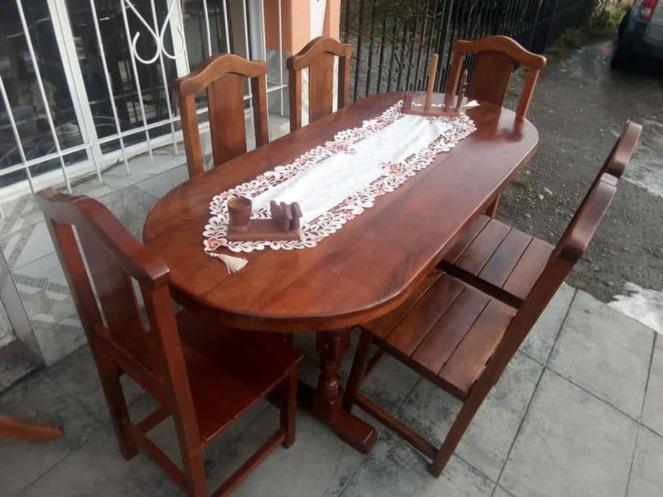 Fábrica Artesanal de Muebles de Algarrobo y Metal