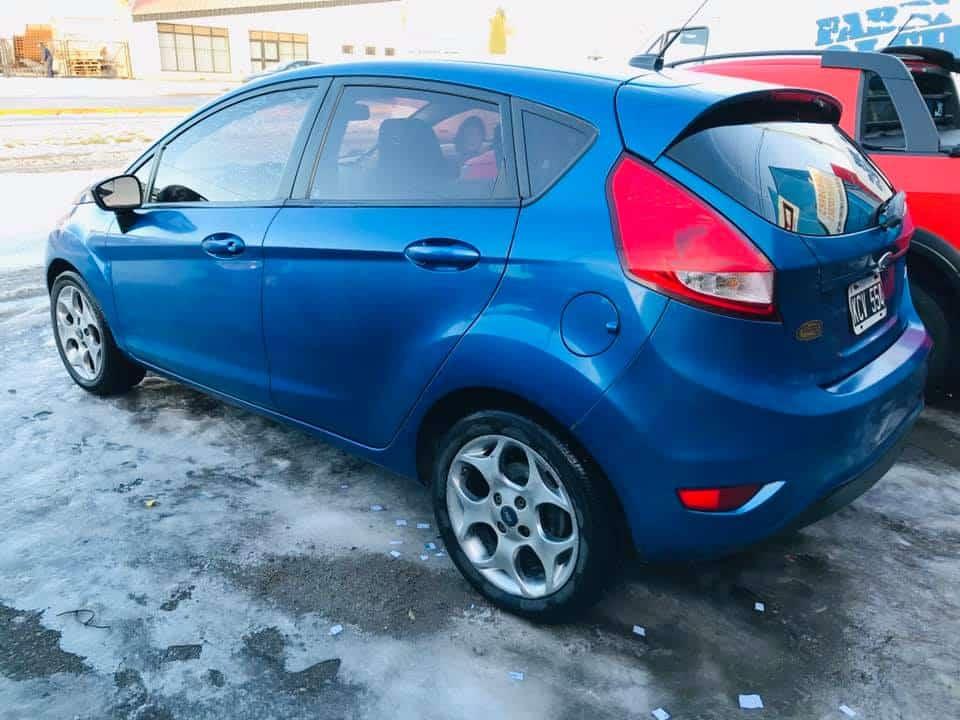 Fiesta knetic titanium –  Modelo 2011