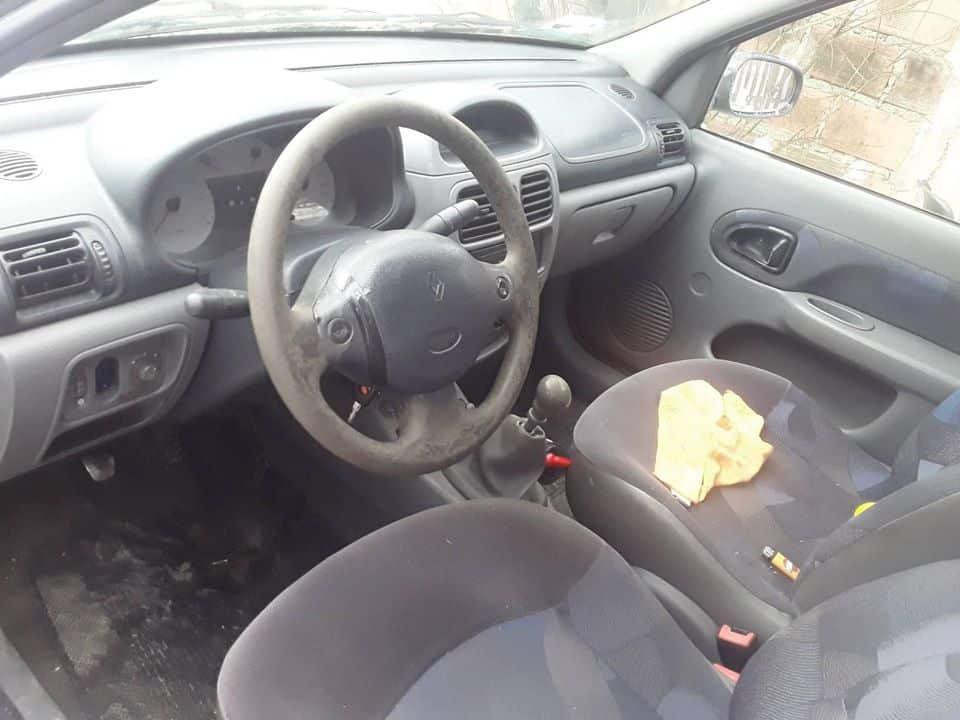 Clio – Modelo 2001