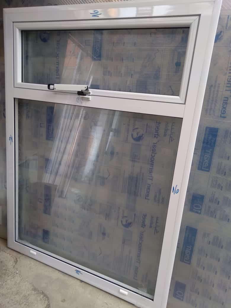 C.M.A. Vidrios y                      Aberturas en Aluminio